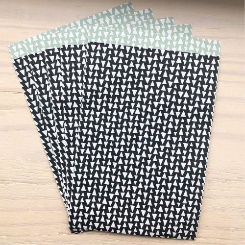 cadeauzakje groot zwart wit cadeauzakjes inpakken kado cadeautjes kopen bestellen webwinkel driehoekjes mintgroen