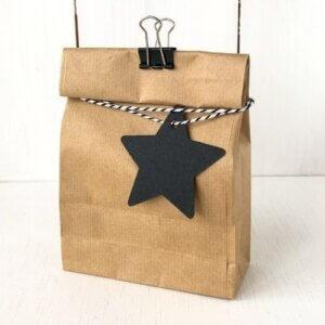 cadeaulabel ster zwart cadeau label stervorm zwarte blokbodemzak kraft